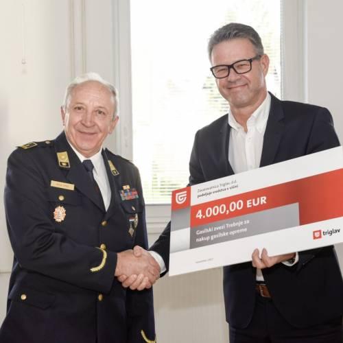 Zavarovalnica Triglav podprla GZ Trebnje pri nakupu gasilske opreme