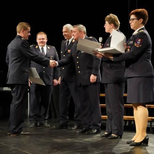 Podelili listine za čin gasilski častnik in višji gasilski častnik